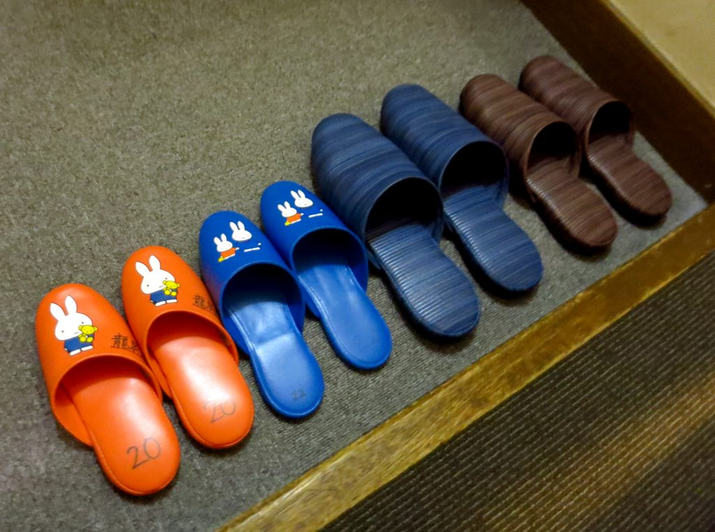 guest slippers for resort
